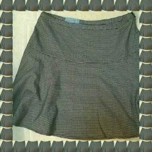 Old Navy Houndstooth Design Skirt - NWT
